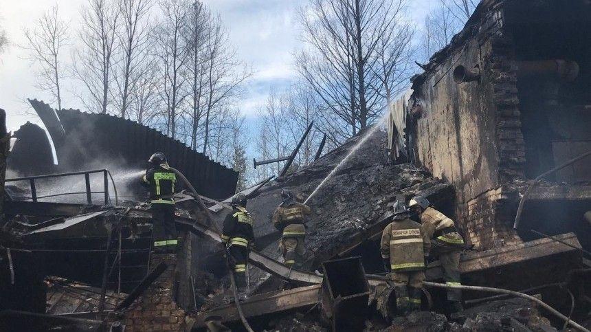 Пожарные быстро справились согнем, однако взрыв был такой силы, что отцеха попроизводству пороха ничего неосталось. ЧПпроизошло в60 километрах отРязани.