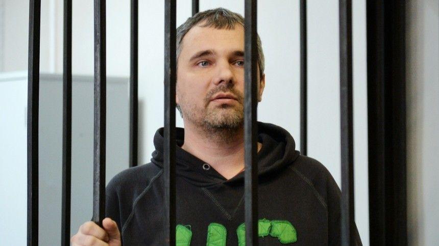Ранее Чкаловский районный суд постановил отпустить Дмитрия Лошагина— нопрокуратора иадвокат Сергей Жорин подали жалобу воблсуд, постановивший отправить дело надосмотр.