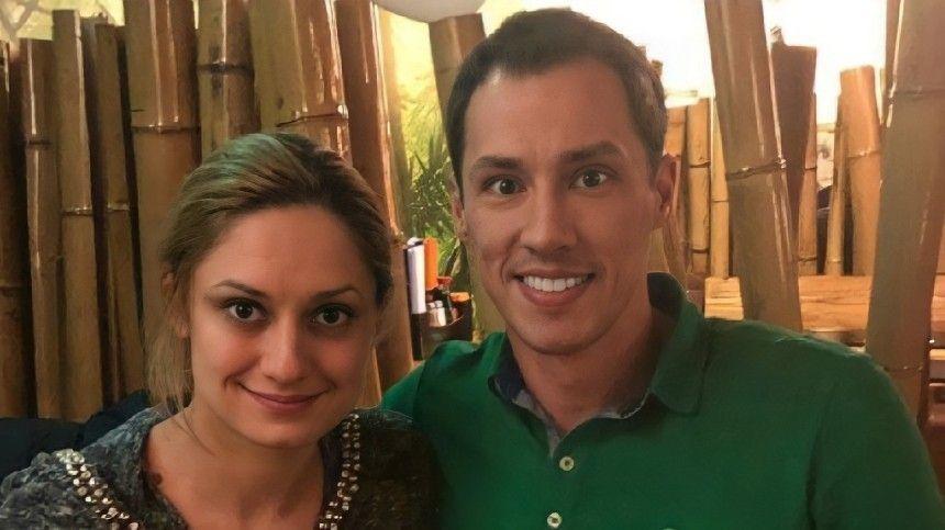 Карина Мишулина выложила трогательное сообщение освоем отце, аТимур Еремеев просто опубликовал архивное фото.
