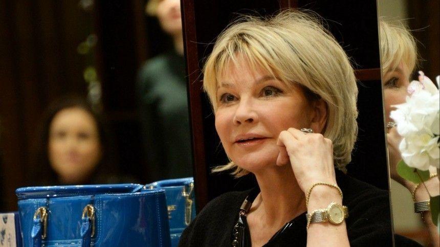 Актриса рассказала, что цены наквартиры вНицце— даже напервой береговой линии— ниже, чем вМоскве.