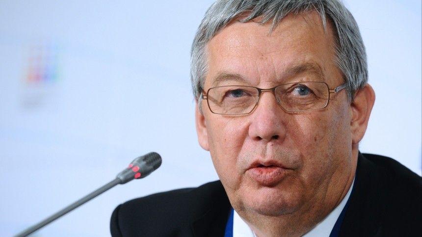 Известие осмерти бизнесмена вкомментнарии 5-tv.ru подтвердил Александр Башевский— директор поразвитию «ИРЭ-Полюс».