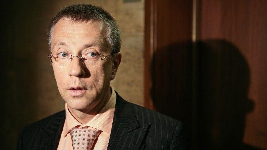 Закативший грандиозную свадьбу вИталии бывший чиновник был причастен кряду скандальных историй сроссийским бюджетом.
