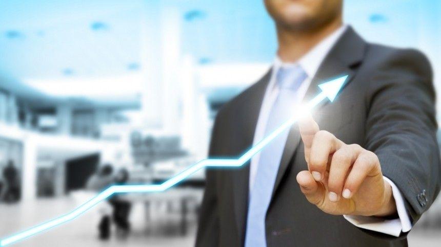 Финансовый аналитик дал прогноз курса рубля и оценил необходимость разменивать валюту